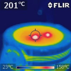 Image 1.1. A Flir thermal image of two flies on a 800 Watt LED fixture.